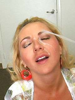 Hot bbw suck cock and facial